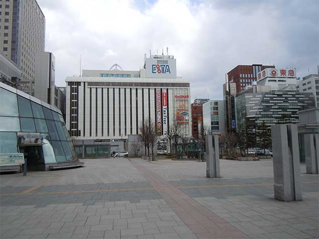UNIQLO Sapporo ESTA : The largest one-floor UNIQLO shop in the world